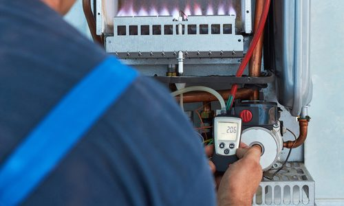 Repair of a gas boiler, setting up and servicing by a service de